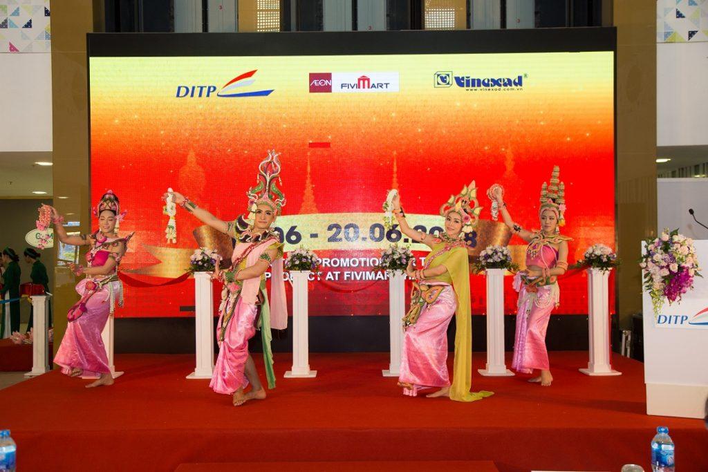 Le Hoi Hang Tieu Dung Thai Lan Tai Thien Son Plaza (2)