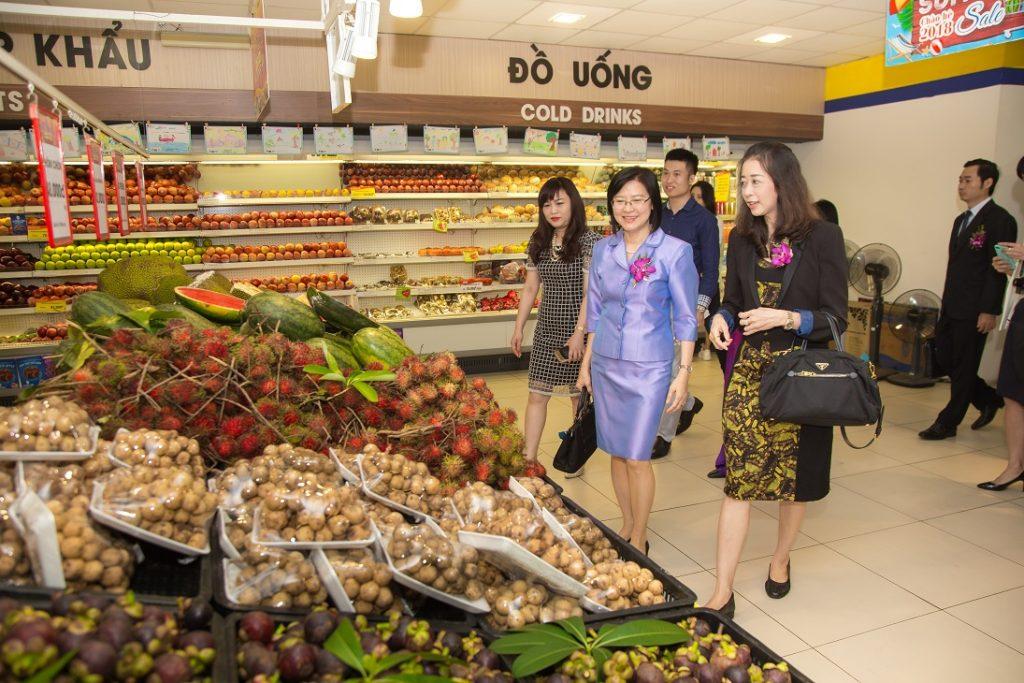 Le Hoi Hang Tieu Dung Thai Lan Tai Thien Son Plaza (7)